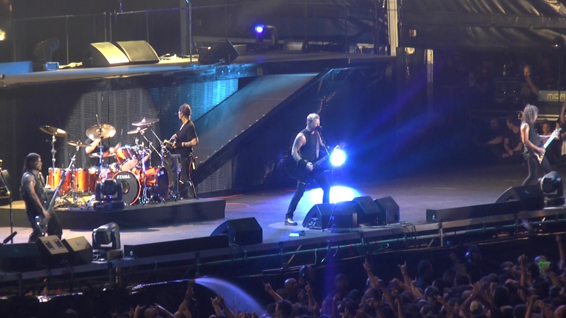 metallica_2013-02-24_sydneyaustralia_screen_41378223635