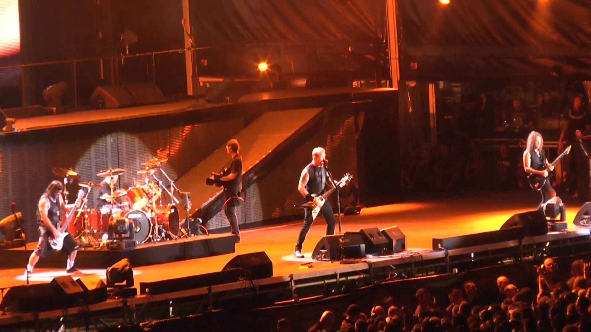 metallica_2013-02-24_sydneyaustralia_screen_61378223635