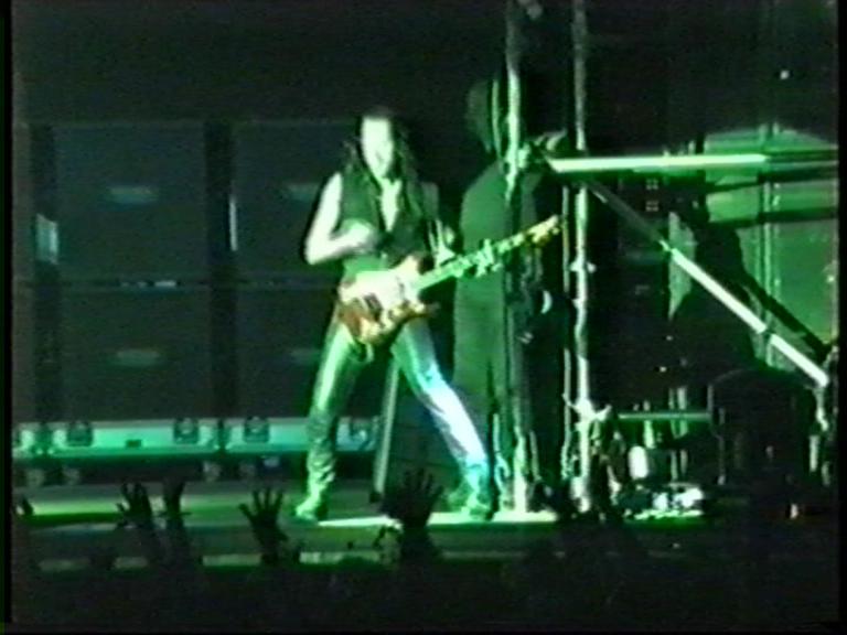 metallica_1999-07-08_evettesalbert_screen_31329194663