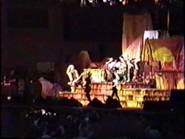 metallica_1990-06-29_toronto_screen-right_3